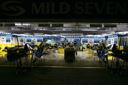 Renault garage area