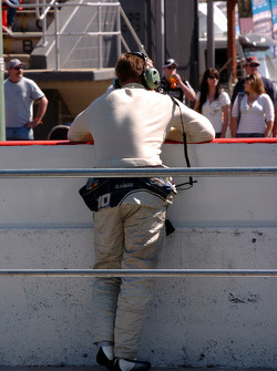 Jason Bargwanna on the pit wall