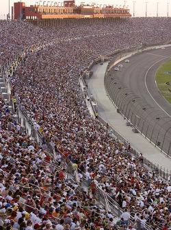 Fans at turn 1