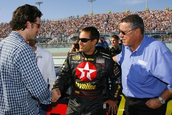 Patrick Dempsey talks with Juan Pablo Montoya and team owner Felix Sabates