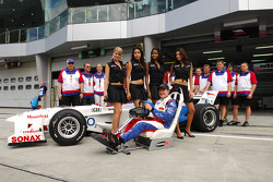 Team photo: Tomas Enge and  A1Team Czech Republic with the playseat girls