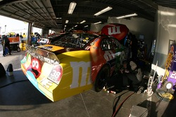 M&M's Ford garage area