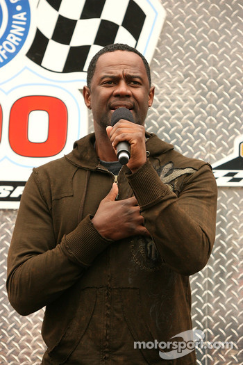 Singer Brian McKnight sings the national anthem