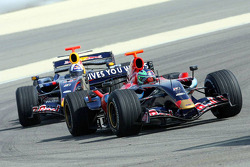 Red Bull Racing and Scuderia Toro Rosso photoshoot: Vitantonio Liuzzi and David Coulthard
