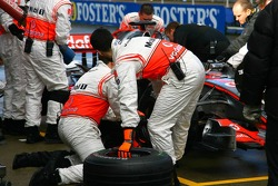 Pitstop practice for Lewis Hamilton, McLaren Mercedes, MP4-22
