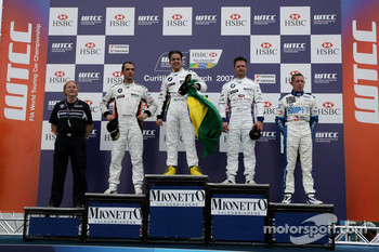 Winner, Augusto Farfus, BMW Team Germany, BMW 320si WTCC, 2nd, Andy Priaulx, BMW Team UK, BMW 320si WTCC, 3rd, Jorg Muller, BMW Team Germany, BMW 320si WTCC