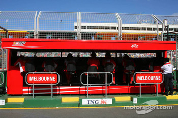 Scuderia Ferrari, Pit Gantry