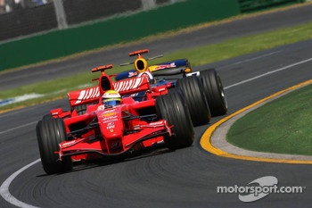 Felipe Massa, Scuderia Ferrari, F2007 and David Coulthard, Red Bull Racing, RB3