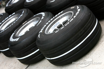 Bridgestone Tyres with soft compound markings
