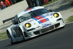 #95 James Watt Automotive Porsche 997 GT3 RSR: Paul Daniels, Dave Cox
