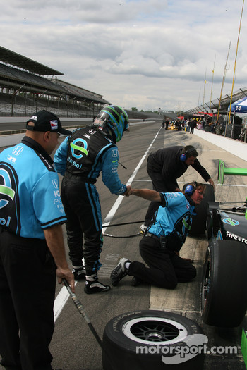 Rahal Letterman Racing crew members at work