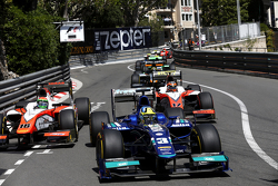 Julian Leal, Carlin leads Sergio Canamasas, MP Motorsport and Daniel De Jong, MP Motorsport