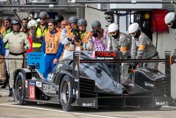 保时捷车队18号保时捷919 Hybrid赛车:罗曼·杜马斯、尼尔·雅尼、马克·里布