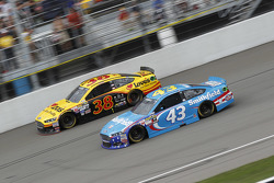 David Gilliland, Front Row Motorsports Ford and Aric Almirola, Richard Petty Motorsports Ford