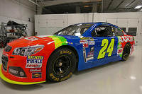 Jeff Gordon's rainbown paint scheme returns for Bristol race