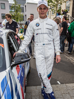 #235 Walkenhorst Motorsport BMW M235i Racing: Victor Bouveng