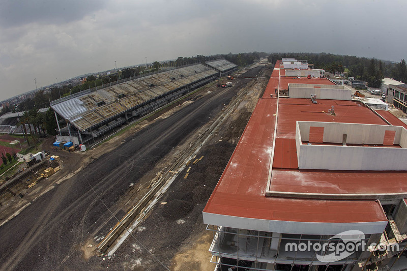 Autódromo Hermanos Rodríguez, vista áerea de la recta principal