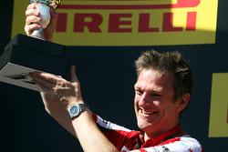 詹姆斯·埃里森,法拉利技术总监,在领奖台庆祝