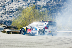 Andreas Mikkelsen, Volkswagen Motorsport on the famous Lysevegen road