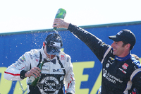 Podium: race winner Graham Rahal, Rahal Letterman Lanigan Racing Honda, third place Simon Pagenaud, Team Penske Chevrolet