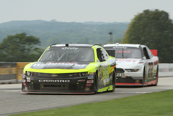 Paul Menard, Richard Childress Racing Chevrolet leads Ryan Blaney, Team Penske Ford