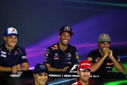 Marcus Ericsson, Sauber F1 Team; Daniel Ricciardo, Red Bull Racing; Carlos Sainz Jr., Scuderia Toro Rosso, Felipe Massa, Williams, Sebastian Vettel, Ferrari