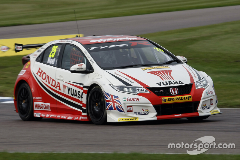 matt neal honda yuasa racing honda civic type r at rockingham. Black Bedroom Furniture Sets. Home Design Ideas