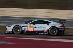 阿斯顿马丁车队98号阿斯顿马丁Vantage GTE赛车:保罗·德拉·拉纳、佩德罗·拉米、马蒂亚斯·劳达