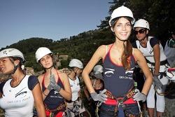 Formula Unas girls in a mountain climbing expedition: Paola Ramirez, Tahnee Frijters, Katja Semenova, Heloise Bien and Estefania Bejarano