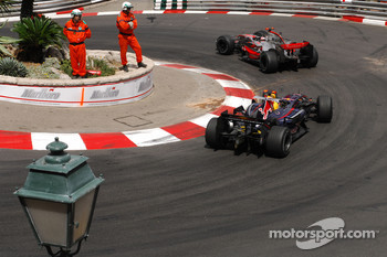 Fernando Alonso, McLaren Mercedes, MP4-22 and David Coulthard, Red Bull Racing, RB3
