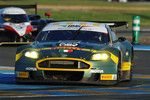 #100 Aston Martin Racing BMS Aston Martin DBR9: Fabio Babini, Matteo Malucelli, Jamie Davies