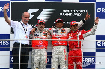 2nd place Fernando Alonso, McLaren Mercedes with 1st place Lewis Hamilton, McLaren Mercedes and 3rd place Felipe Massa, Scuderia Ferrari