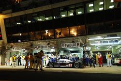 #8 Team Peugeot Total Peugeot 908: Pedro Lamy, Stéphane Sarrazin, Sébastien Bourdais