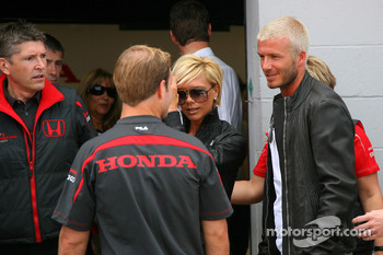 Nick Fry, Honda Racing F1 Team, Chief Executive Officer , Rubens Barrichello, Honda Racing F1 Team with David Beckham and Victoria Beckham