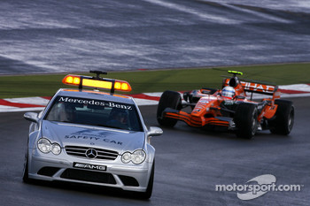 Markus Winkelhock, Spyker F1 Team follows the safety car