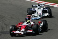 Ralf Schumacher, Toyota Racing, TF107 and Nick Heidfeld, BMW Sauber F1 Team, F1.07