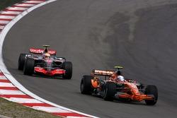 Markus Winkelhock, Spyker F1 Team, Lewis Hamilton, McLaren Mercedes