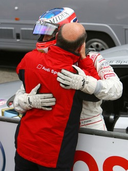 Dr. Wolfgang Ullrich, Audi's Head of Sport, thanks Alexandre Premat, Audi Sport Team Phoenix, for letting Martin Tomczyk pass just before the finish