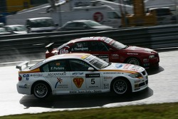 Felix Porteiro, BMW Team Italy-Spain, BMW 320si WTCC and James Thompson, N Technology, Alfa Romeo 156