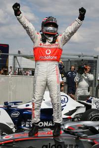 Формула 1 Фото - Победитель квалификации Фернандо Алонсо