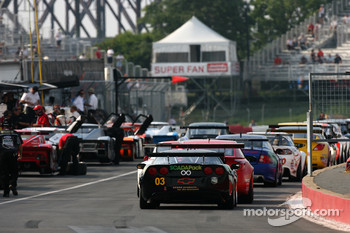 GT cars line up on pitlane