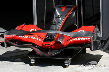McLaren Mercedes, MP4-22, front wing