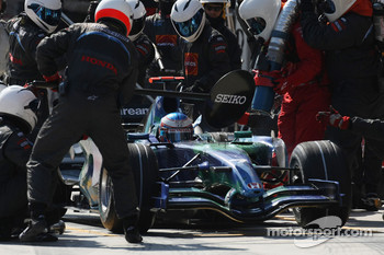 Jenson Button, Honda Racing F1 Team, RA107 pit stop