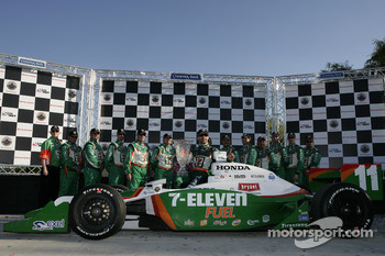 Podium: race winner Tony Kanaan with this team