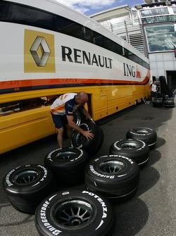 Renault F1 Team, Bridgestone tyres