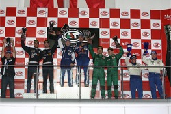 GT1 podium: class and overall winners Karl Wendlinger and Ryan Sharp, second place Andrea Bertolini and Andrea Piccini, third place Fabio Babini and Jamie Davies, Citation Cup winners Alain Ferté and Ben Aucott