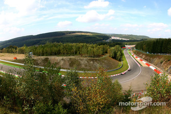 Scenic view, Jarno Trulli, Toyota Racing, Fernando Alonso, McLaren Mercedes, MP4-22