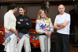 Mathias Lauda, Daniel la Rosa, Susie Stoddart and Peter Mücke, Team Owner Mücke Motorsport joking about the Susie Stodart fanclub on the grandstand