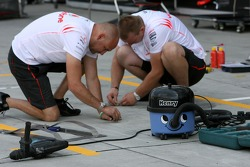 McLaren Mercedes, prepare in the pitlane