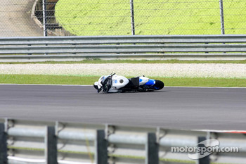 Shinya Nakano bike left on the track